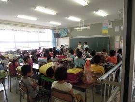 金沢市立伏見台小学校で行われた、子ども目線の交通安全マップづくり