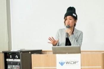 秋葉 ちひろさん「コミュ力アップのためにデザイナーの自分がやるべきこと」