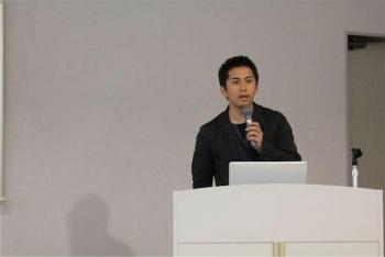 「テレビの新しいクロスメディア、そしてプラットフォーム~BMLに挑み、HTML5に備える~」/黒口 啓一郎さん